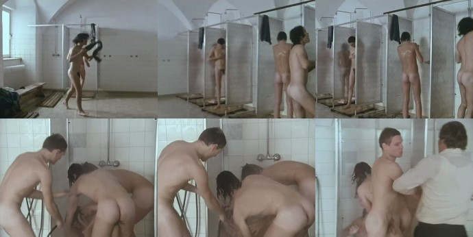 nude schoolboys showering