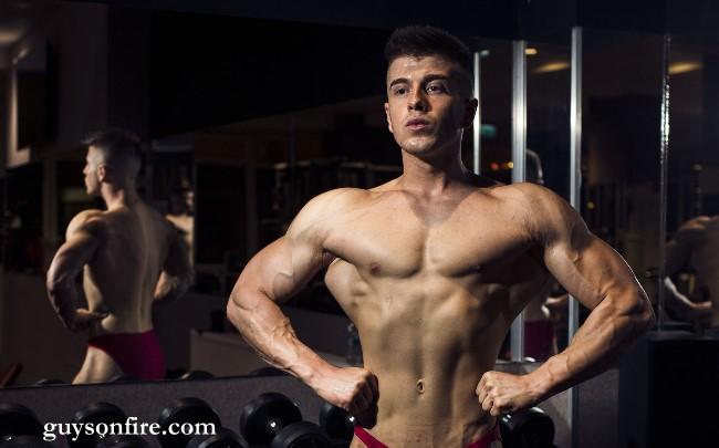 sexy bodybuilder webcam